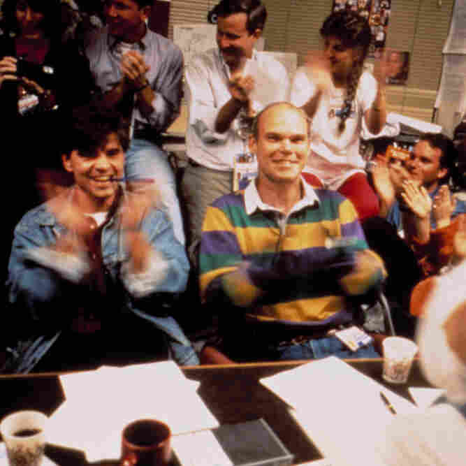 "George Stephanopoulos (left) and James Carville advised President Clinton during the 1992 election. Their strategic sessions in Clinton's ""War Room"" were filmed by Chris Hegedus and D.A. Pennebaker."