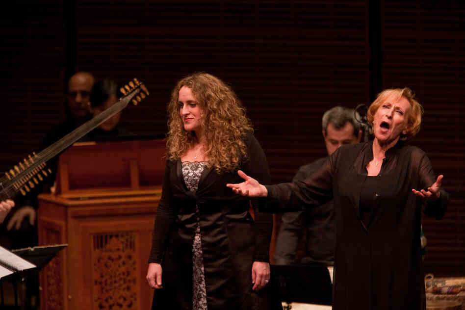 Vocalists Lucilla Galeazzi (right) and Soprano Raquel Andueza. The evening was filled with cradle songs, laments and instrumental pieces depicting the passion of Christ.