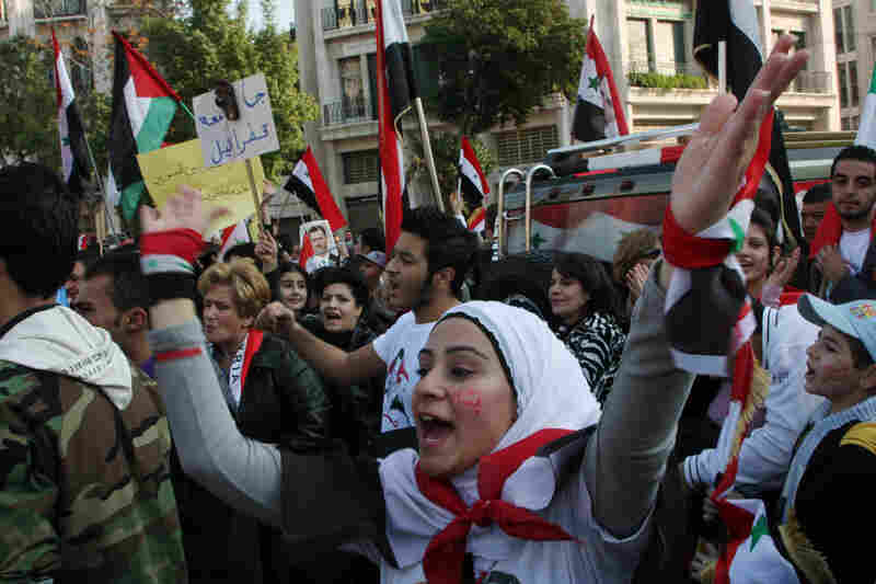 Despite international criticism of Assad, supporters have rallied in favor of him.