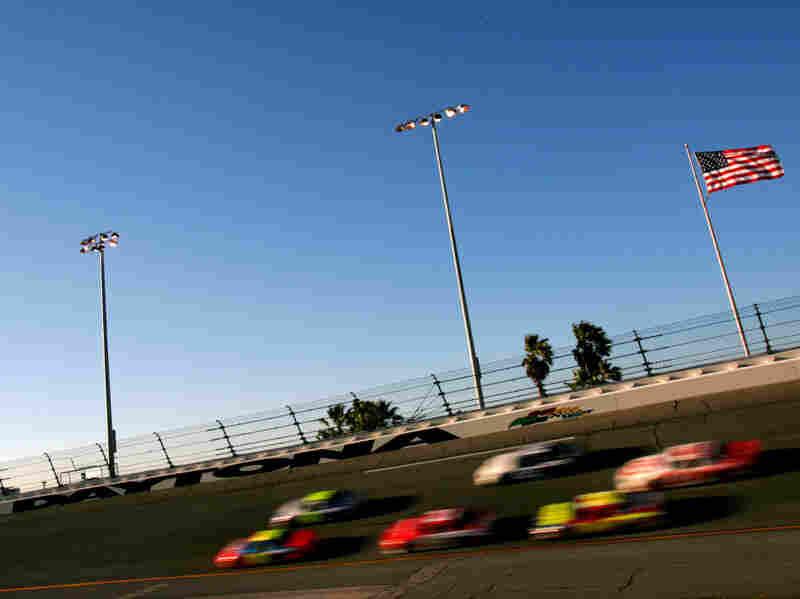 Drivers practice for the Budweiser Shootout at the NASCAR Nextel Cup Daytona 500 at the Daytona International Speedway in Daytona, Fla.