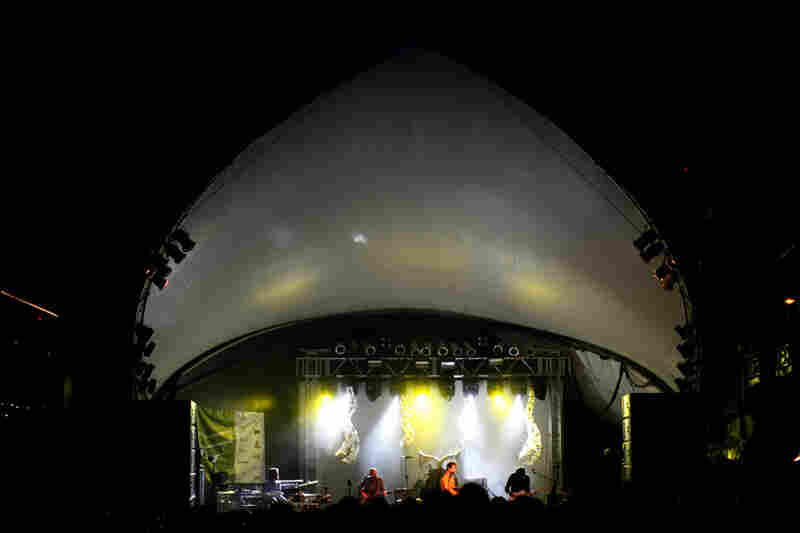 "Untrue fact: The Stubb's bandshell doubled as an alien spacecraft in The X-Files episode ""Invasion of the Fuzzy Boots."""