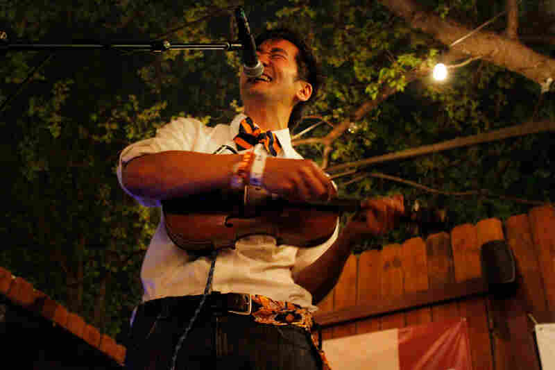At Uncorked on Friday night, Kishi Bashi used violin and vocals plus loops to create a sound that seems bigger than the single person making it.