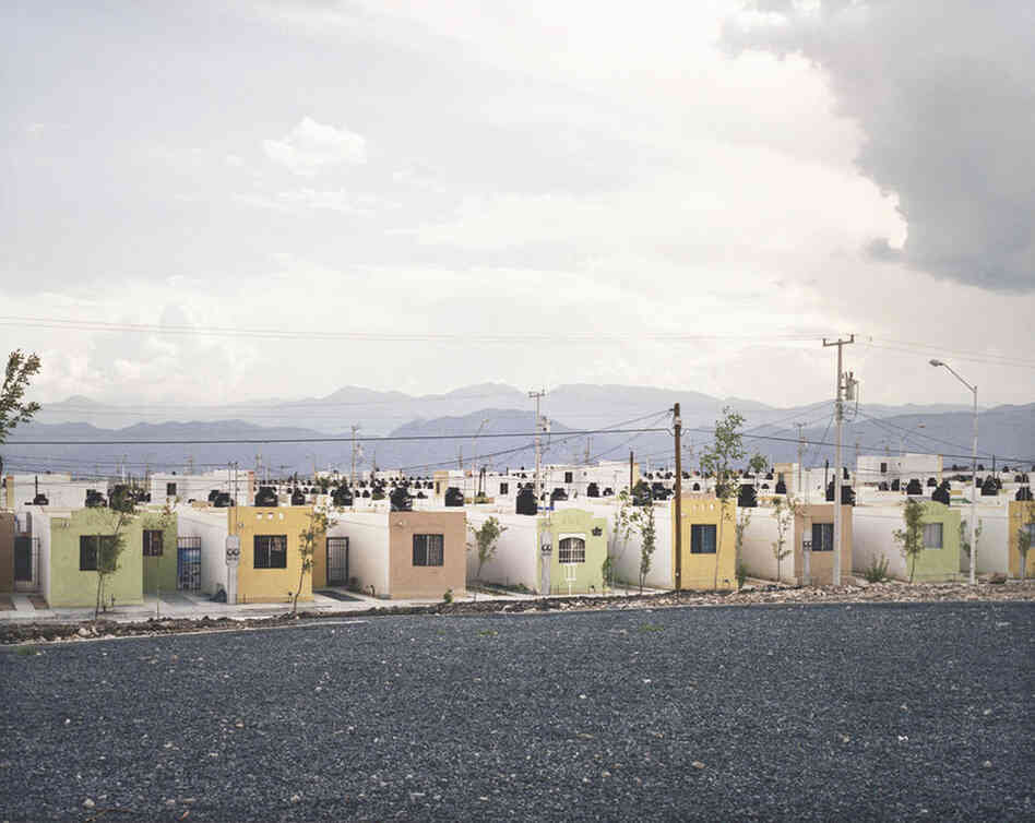 Fragmented Cities, Juarez #2, from the series Suburbia Mexicana, 2007