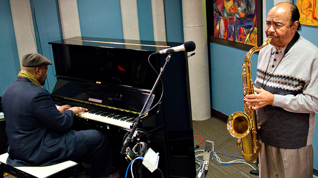 Benny Golson (right) and pianist Sharp Radway perform at the KPLU studios in Seattle. (Jazz24)