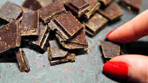 Does A Chocolate Habit Help Keep You Lean?