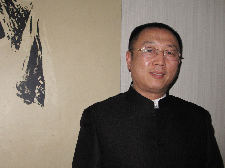 Lawyer Li Zhuang spent more than a year in prison on charges of fabricating evidence and inciting witnesses, after trying to defend an alleged gangster. Li's case became a national cause celebre.