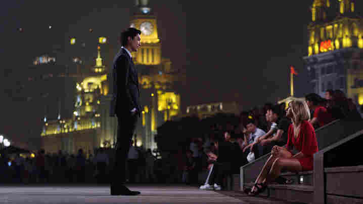 In Shanghai Calling, Chinese-American attorney Sam Chao (Daniel Henney) relocates from New York to Shanghai at the behest of his law firm. He develops a relationship with Amanda (Eliza Coupe), an expert on relocation and local customs and culture.