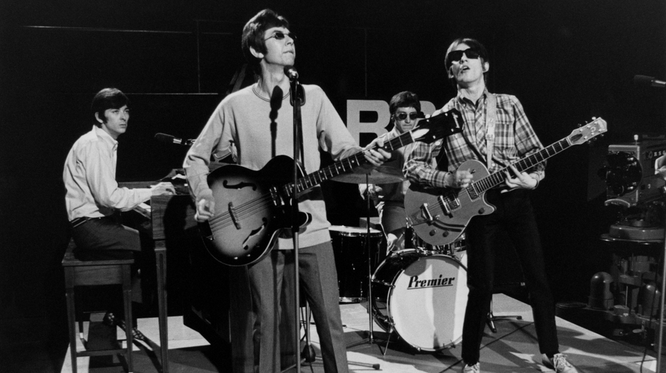 Ian McLagan, Ronnie Lane, Kenny Jones and Steve Marriott of The Small Faces perform live on Ready Steady Go! in 1966. (Getty Images)