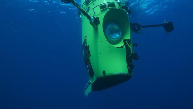 James Cameron Diving Deep Dredging Up Titanic Npr