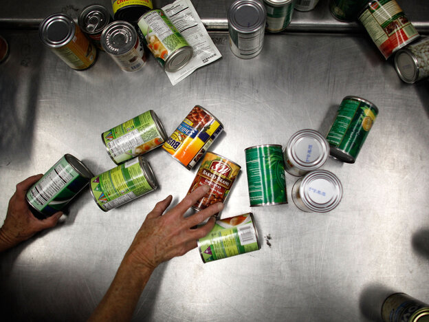 Environmental groups say a ban would protect consumers from the health effects of BPA that leaches from products including some soup cans.