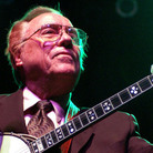 Earl Scruggs performs in Atlanta in 2003.