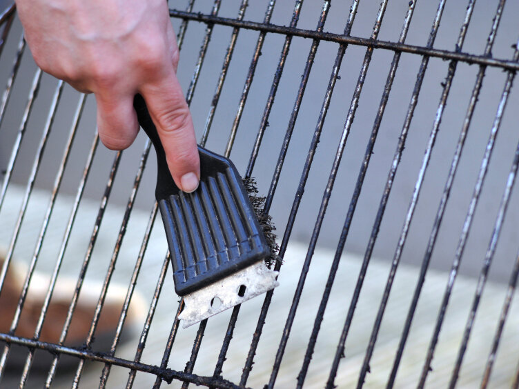 watch the wire how your grill brush could make you sick - Grill Brush