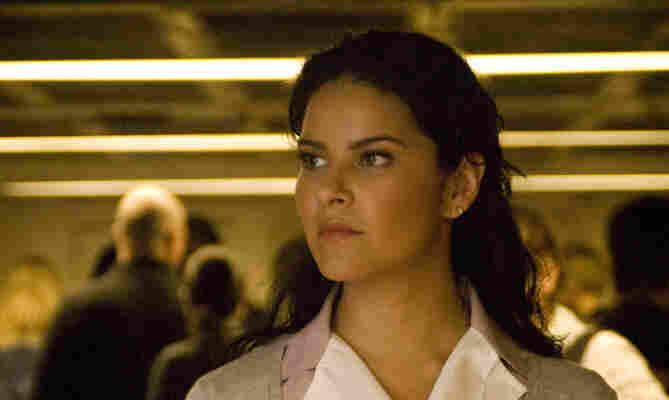 Litzy Dominguez stars in the popular telenovela Una Maid en Manhattan on Telemundo.