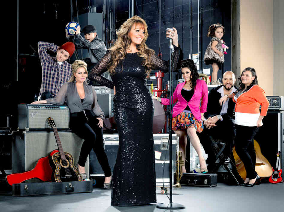 on mun2, follows Mexican-American singer Jenni Rivera and her family