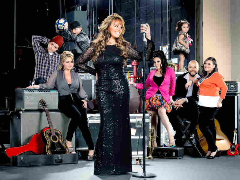 I Love Jenni, aired on mun2, follows Mexican-American singer Jenni Rivera and her family.
