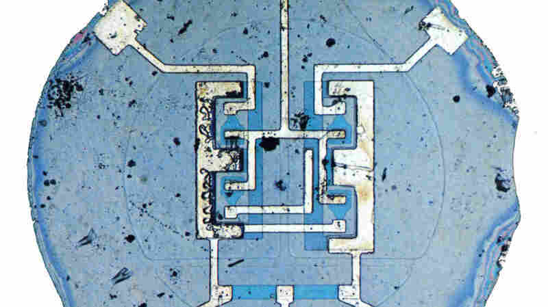Fairchild's first microchip combined four transistors, six resistors and their interconnecting wires onto a single sliver of silicon, in 1960. Today's microprocessors can employ more than 1 billion transistors.