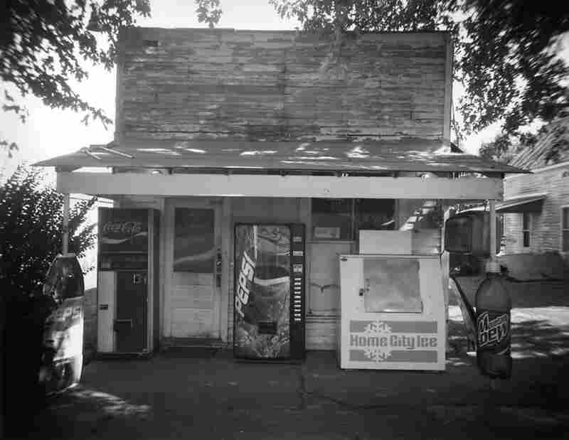 The Carry Out on West Main Street, 2002