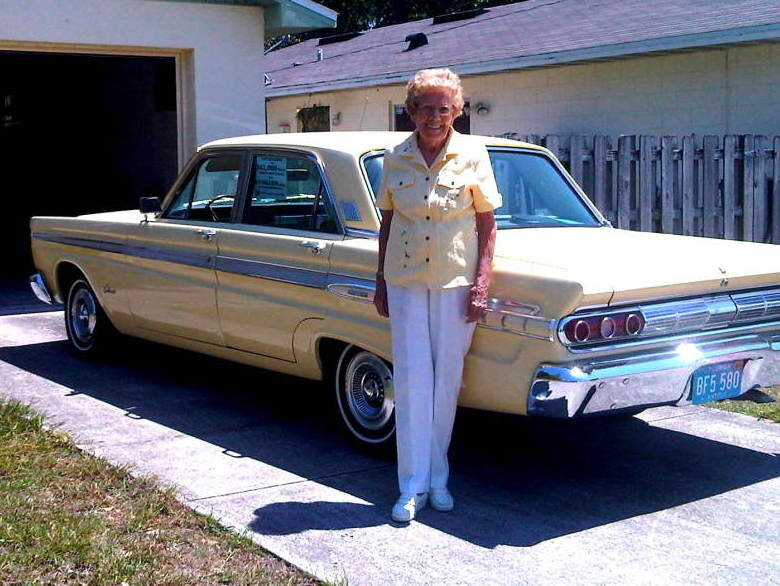 After 567 000 Miles And 48 Years Florida Woman Parks Her Chariot