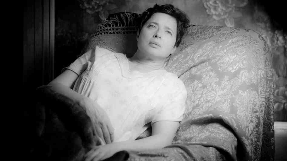 Isabella Rossellini plays Hyacinth, the late (but still remarkably vital) wife of Ulysses in Guy Maddin's multilayered drama Keyhole.