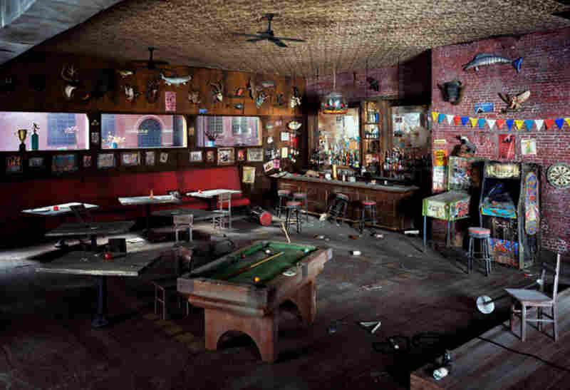 Bar, 2009