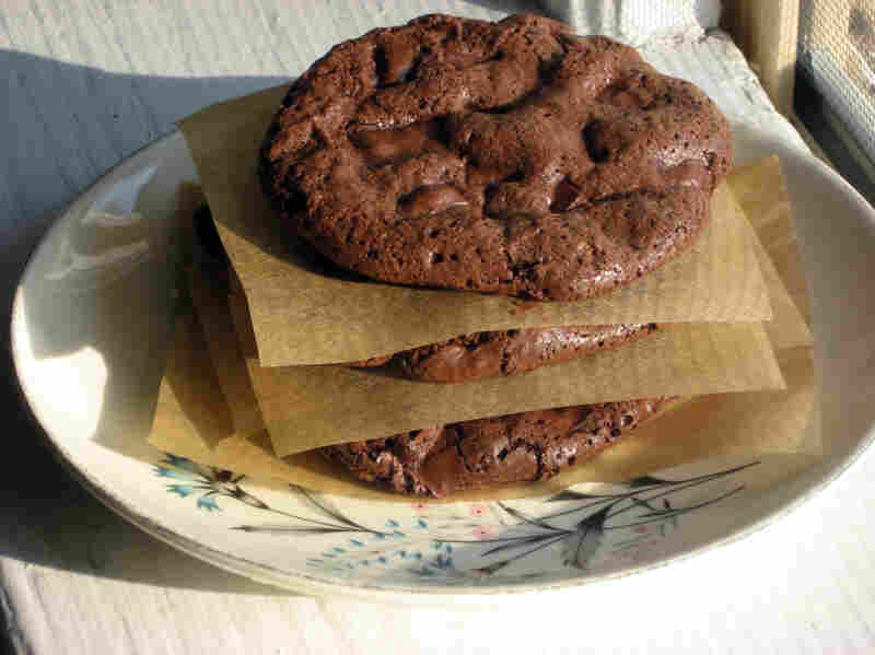 Flourless Fudge Chocolate-Chip Cookies