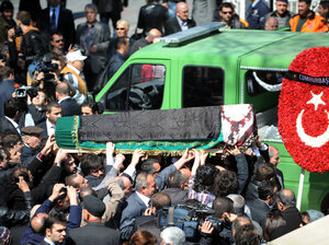 People carry the coffin of Neslisah Sultan, last in line to the dynasty that once ruled the Ottoman empire, who died on April 2 at the age of 91, on April 3, 2012 in Istanbul. Once known as Imperial Princess of the Ottoman Empire and Princess of Egypt, Sultan was the granddaughter of the last Ottoman sultan, Mehmed VI.