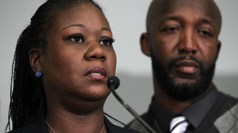 Sybrina Fulton and Tracy Martin, the parents of Trayvon Martin, who was killed by neighborhood watch volunteer George Zimmerman, spoke at a a news conference in Washington Wednesday. In Florida, Zimmerman has been arrested and charged with second-degree murder. (Getty Images)