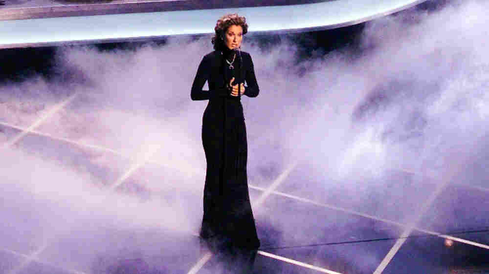 "Celine Dion sings ""My Heart Will Go On"" at the 1998 Academy Awards."