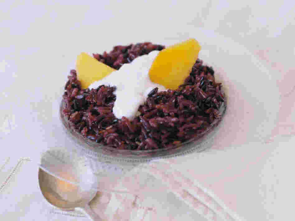 Khao Neeo See Dum (Sweet Black Rice Treat)