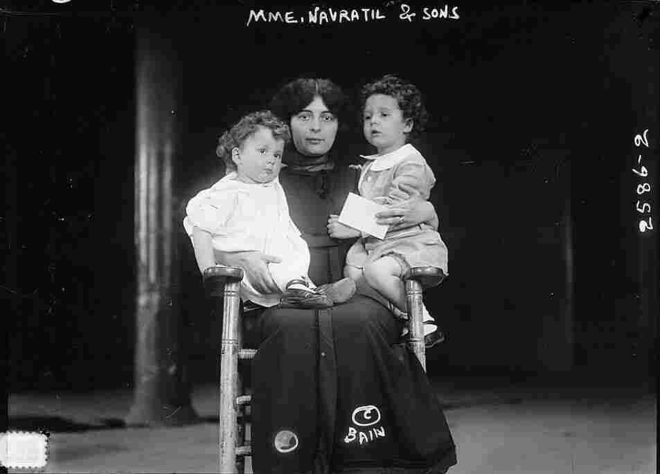 Marcelle Navratil reunited with her sons, circa 1912-1913