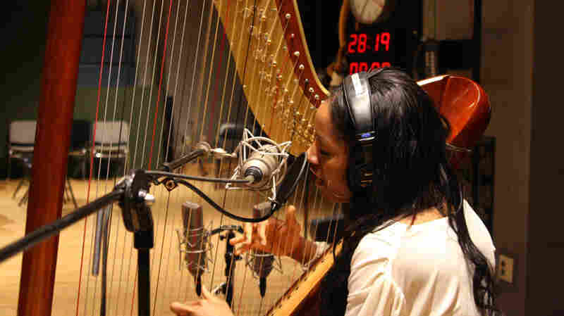For Rashida Jolley, A Harp To Make More Than Music