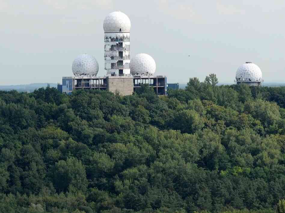 Berlin's state secretary for Urban Development, Ephraim Gothe, is supporting a bid to redevelop Teufelsberg, West Berlin's former Cold War listening station. Teufelsberg, or Devil's Mountain, is topped by a radar dome of a former US NSA-run listening station.