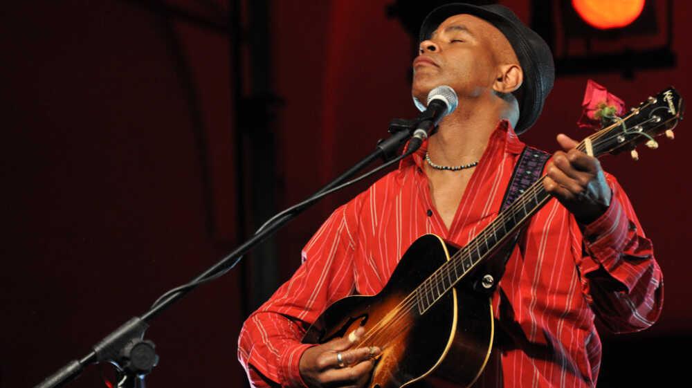'Ambassador' Guy Davis Takes Blues Around The Globe