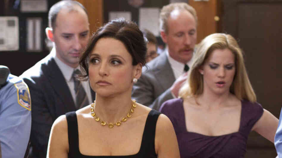 Julia Louis-Dreyfus and her staff, including Tony Hale and Anna Chlumsky, in Veep.