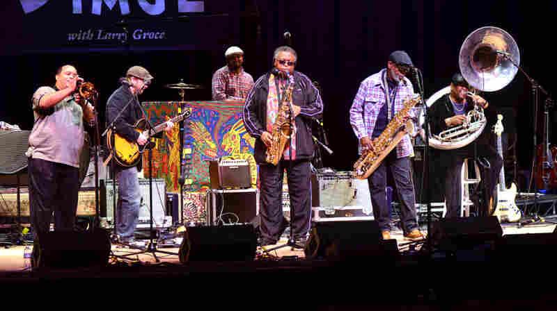 Dirty Dozen Brass Band.