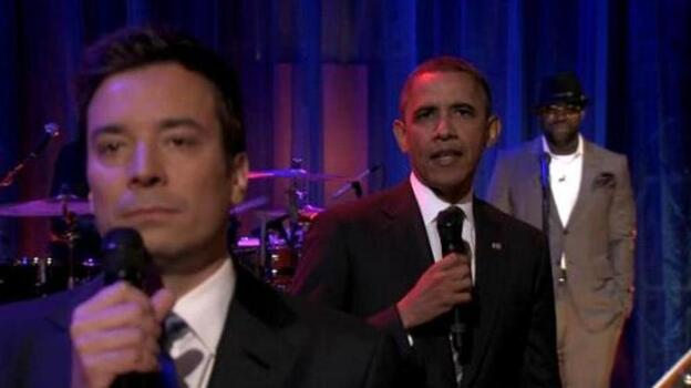 President Obama took to the mic with Jimmy Fallon (at left) to slow jam the news about student loans. (LateNightWithJimmyFallon.com)