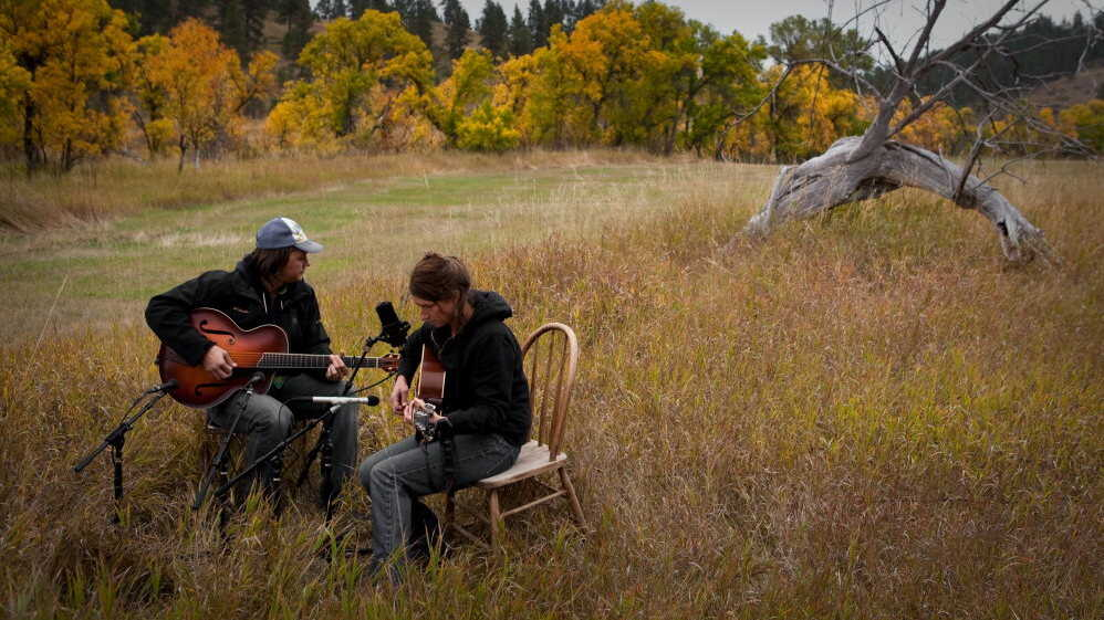 Life 'Up On The Divide' Lures A Songwriter Out West