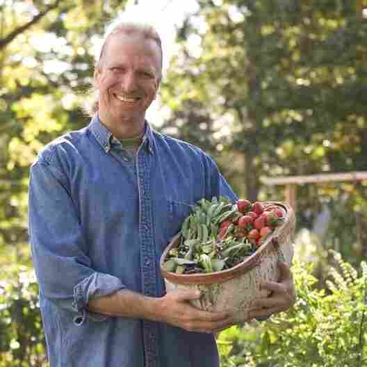Fresh Food Advocate Links Farmers, Doctors, Low-Income Families