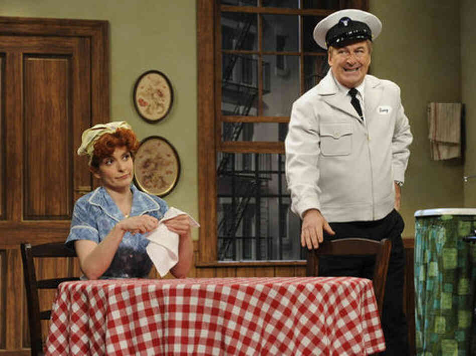 Tina Fey and Alec Baldwin appeared in one of several parodies in the 30 Rock live episode last week.