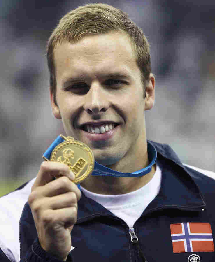 Gold medalist Alexander Dale Oen of Norway with his medal at last July's World Championships in Shanghai.
