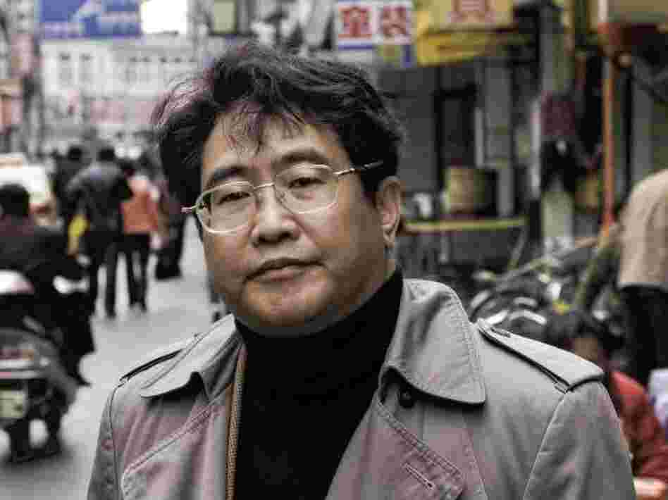 Poet and novelist Qiu Xiaolong was born and raised in Shanghai and now lives with his family in St. Louis, Mo.