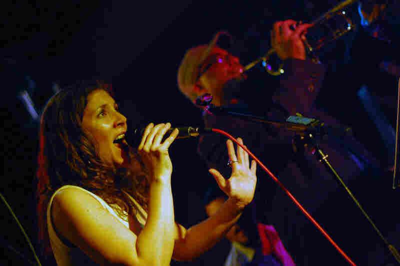 Vocalist Venissa Santi led a modern Afro-Cuban band at Milkboy.