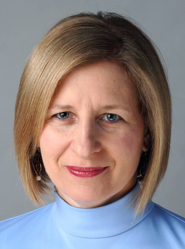 In her 30-year career at The Chicago Tribune, Ann Marie Lipinski rose from intern to editor. She now works with The Nieman Foundation for Journalism at Harvard.
