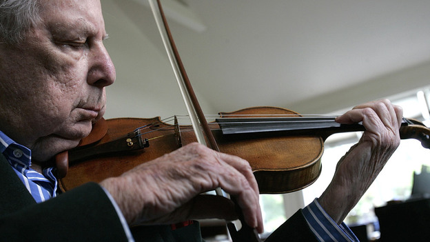 At 101, Roman Totenberg was teaching students up to the very end of his life. (The Boston Globe via Getty Images)