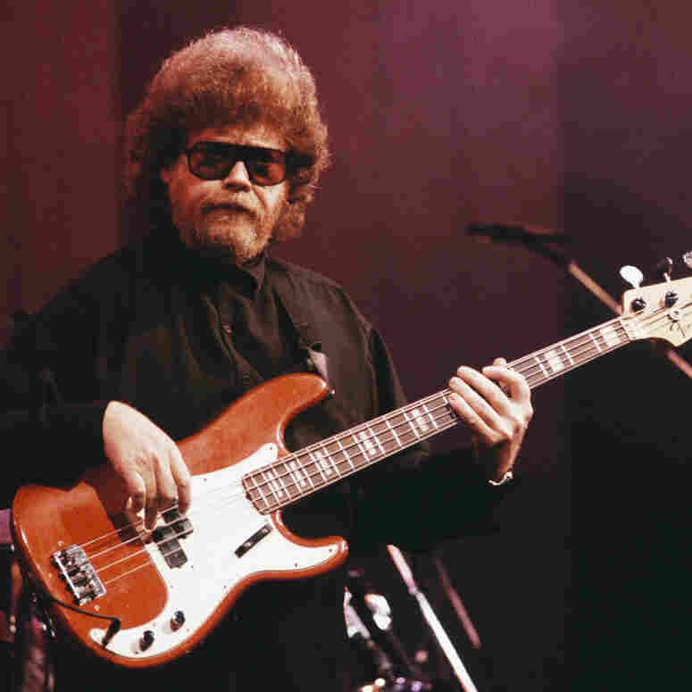 Stax Bassist Duck Dunn Remembered In Memphis