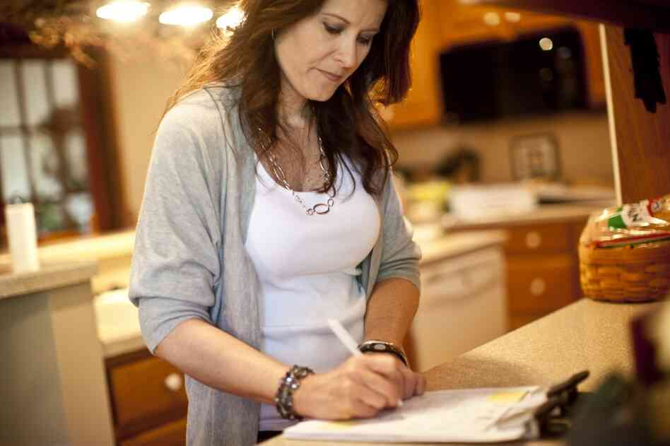 Kelley meticulously tracks her daughters' activities, her grandmother's medical appointments and her hospital work schedule.