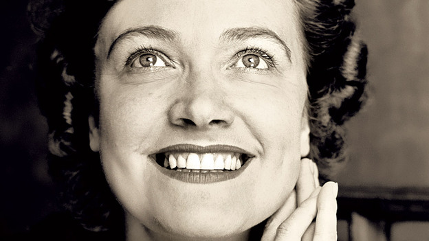 The English contralto Kathleen Ferrier had a voice like no other. She was born 100 years ago. (Decca)