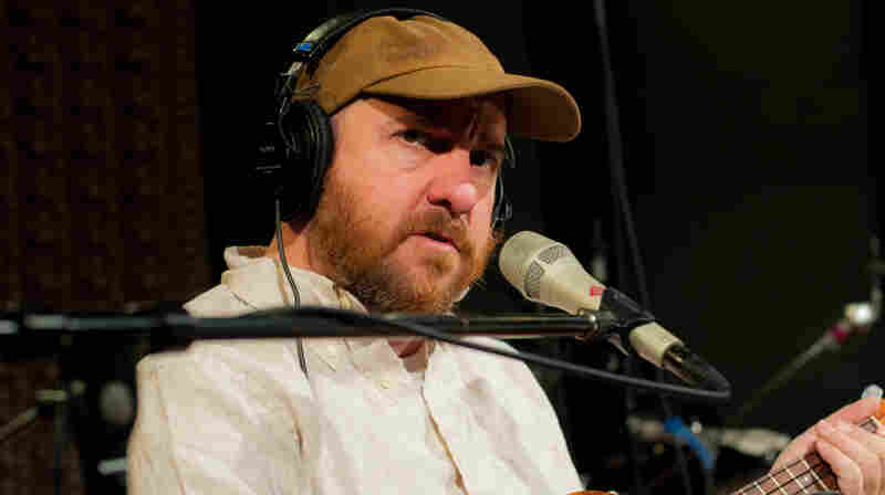 """Stephin Merritt performed """"Your Girlfriend's Face"""" live on WFUV."""