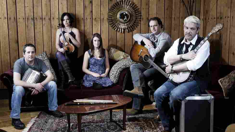 Celtic band Solas.