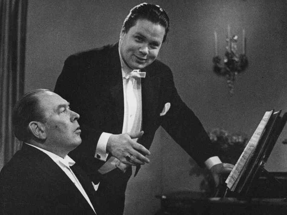 Baritone Dietrich Fischer-Dieskau and pianist Gerald Moore in an undated recital rehearsal.